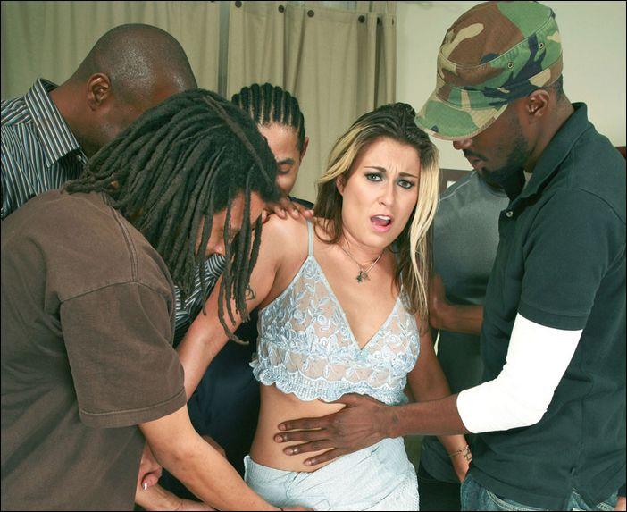 Частный секс с чернокожей в номере 3 фотография