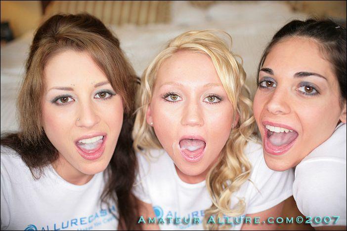 три девушки со спермой во рту
