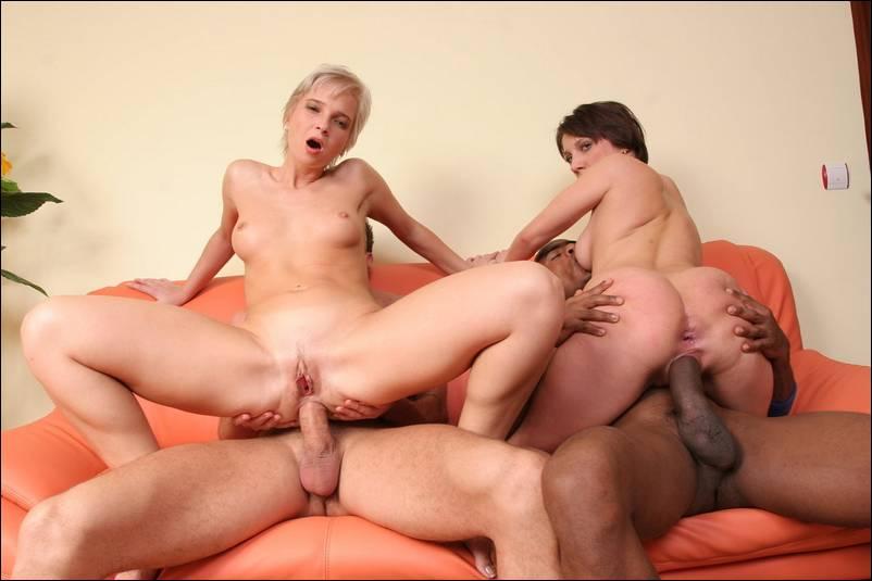 Фото любит групповой секс 11577 фотография