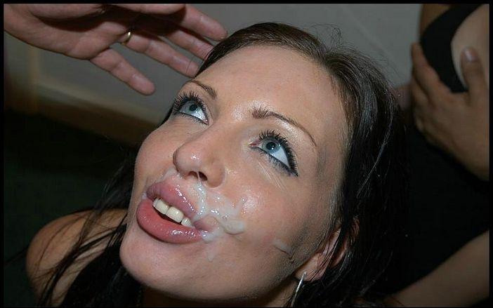 сперма на пухлых губах девушки