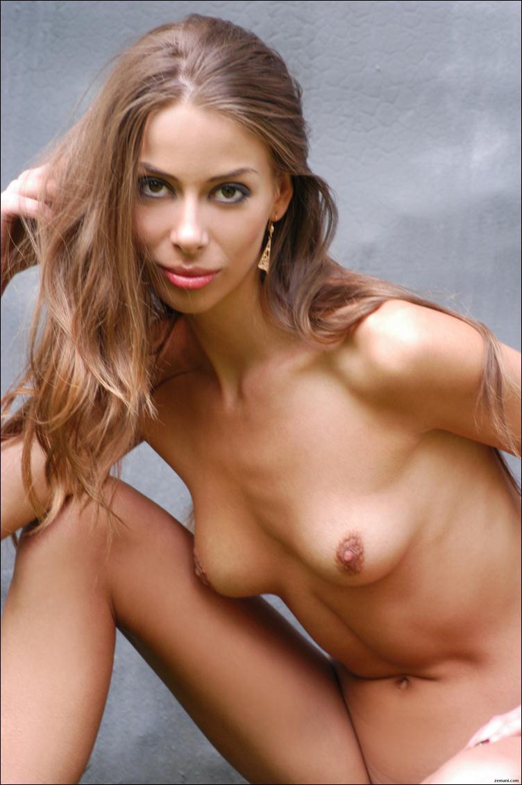 Секс девушки с висячими грудими 26 фотография